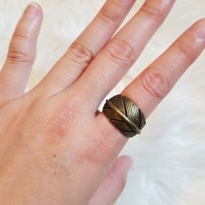 Fossil feather ring